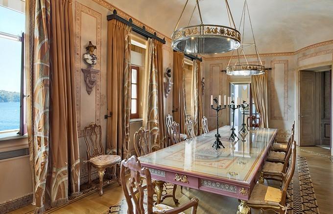 Top interior designers in ny juan pablo molyneux for Italian villa interior