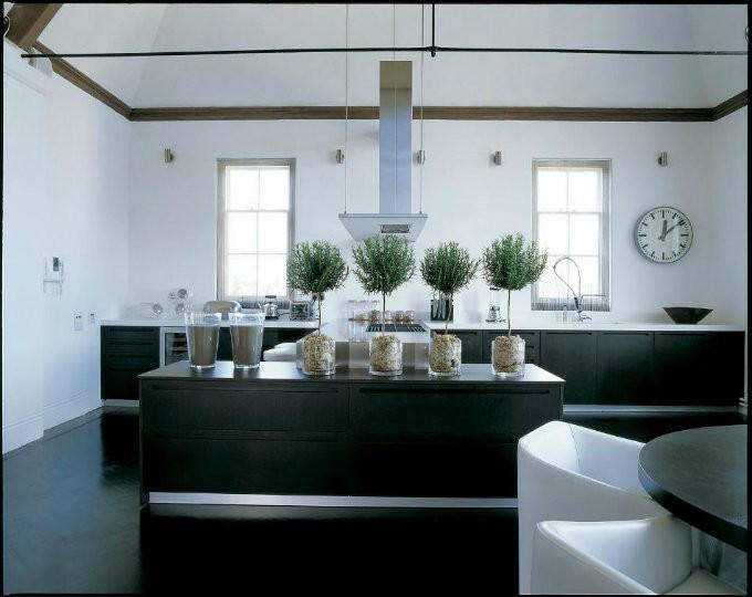 top interior designer kelly hoppen. Black Bedroom Furniture Sets. Home Design Ideas